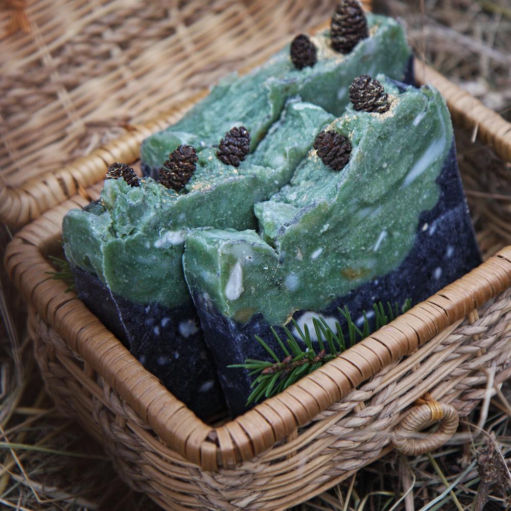 Угольно-мятное мыло на отваре мяты перечной